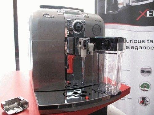 Кофеварка Saeco Syntia Cappuccino SS (HD8838/09) - 1