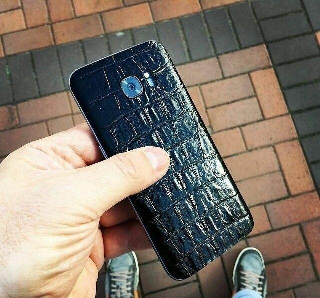 Кожаная наклейка Black Croco для iPhone 5S/SE - 1
