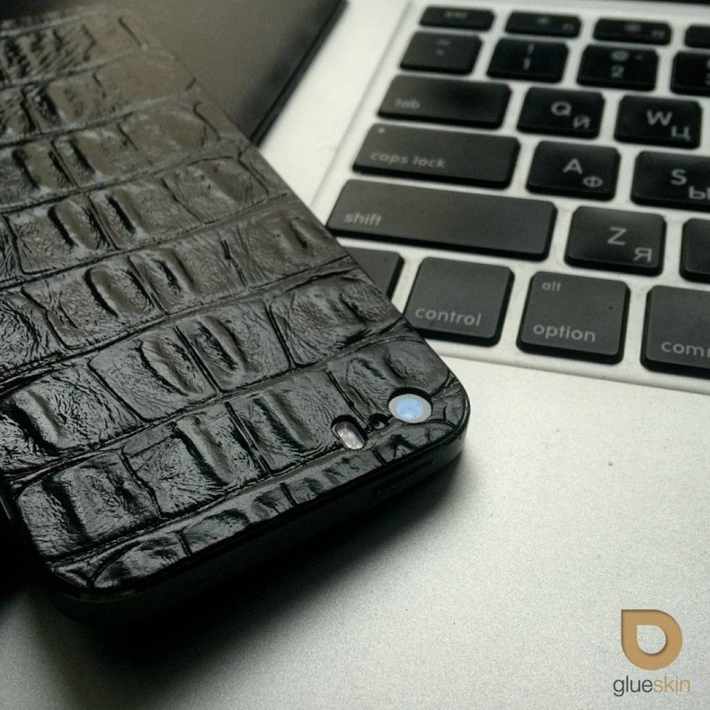 Кожаная наклейка Black Croco для iPhone 5S/SE - 3