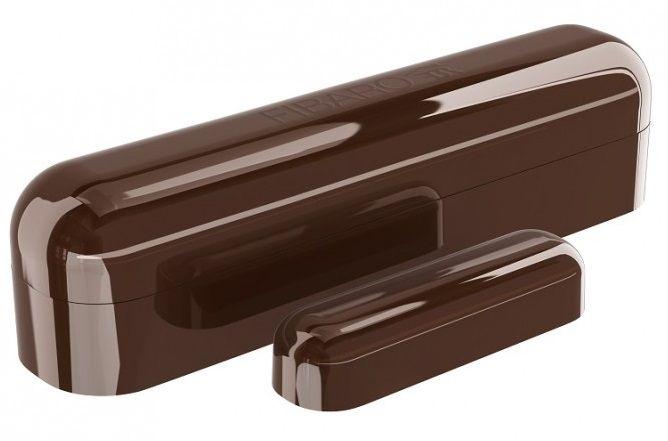 Купить Умные датчики, Датчик открытия окна и двери Fibaro Window Sensor 2 (FGDW-002-7_ZW5) Dark Brown